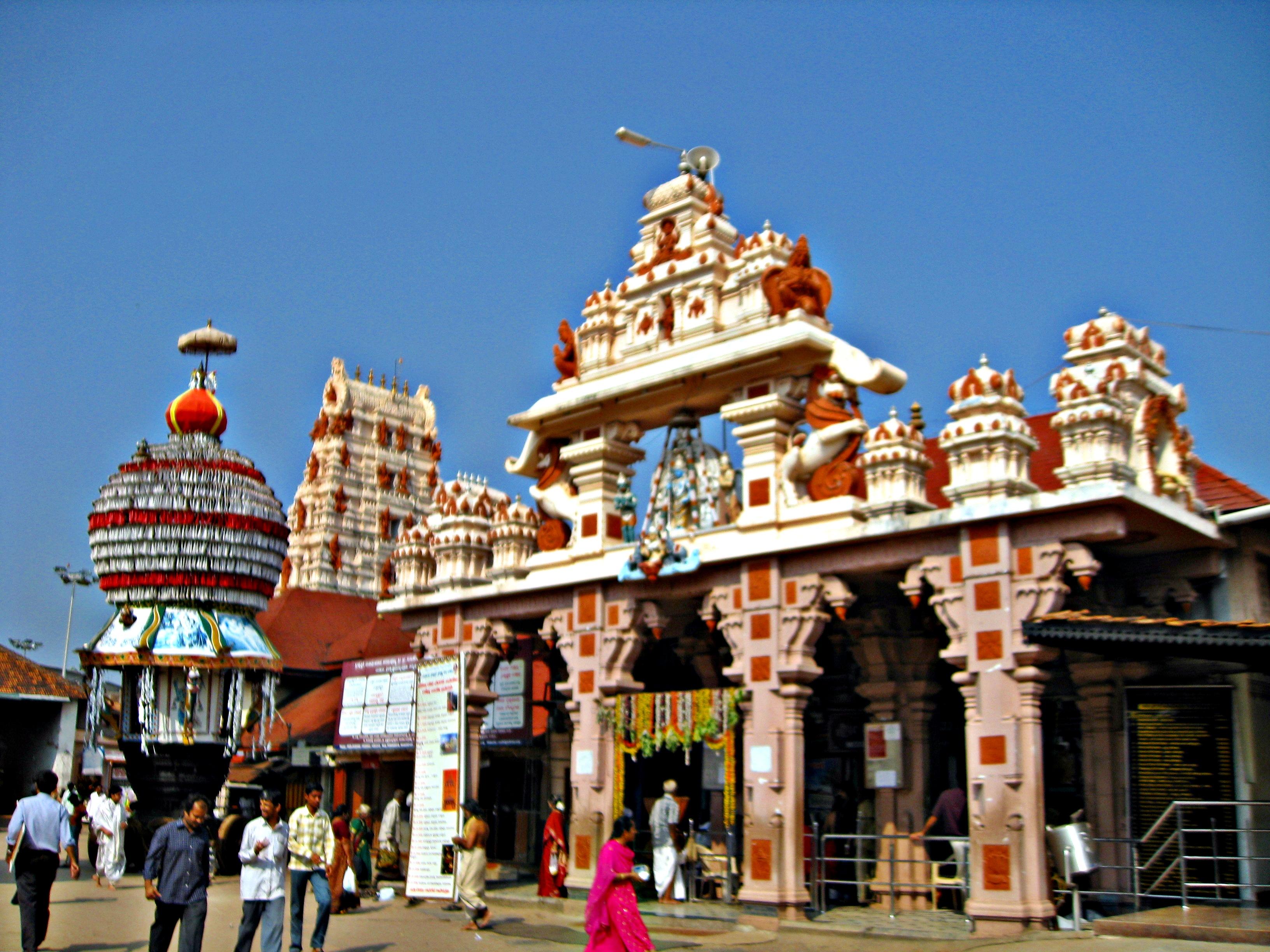 The Famed Udupi Krishna Temple - Udupi Homestay